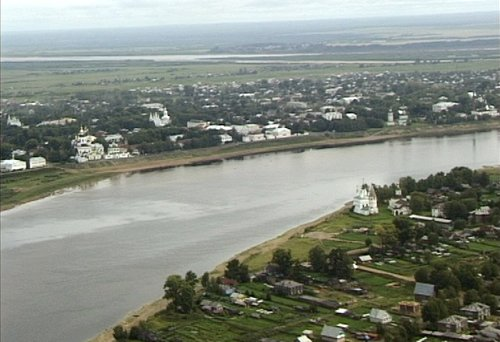 Velikiy_Ustyug_and_Sukhona_River_commons.wikimedia.org
