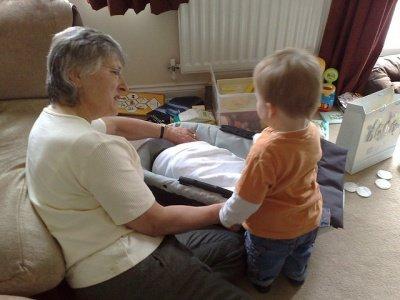 Помощь в определении в дом престарелых норма выдачи спецодежды в доме престарелых
