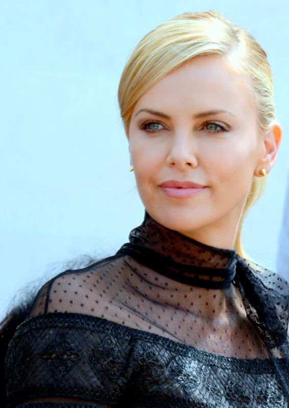 Charlize_Theron_Cannes_2015_3