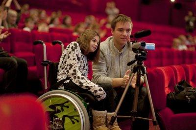 Фестиваль «Кино без барьеров» начался напроспекте Мира