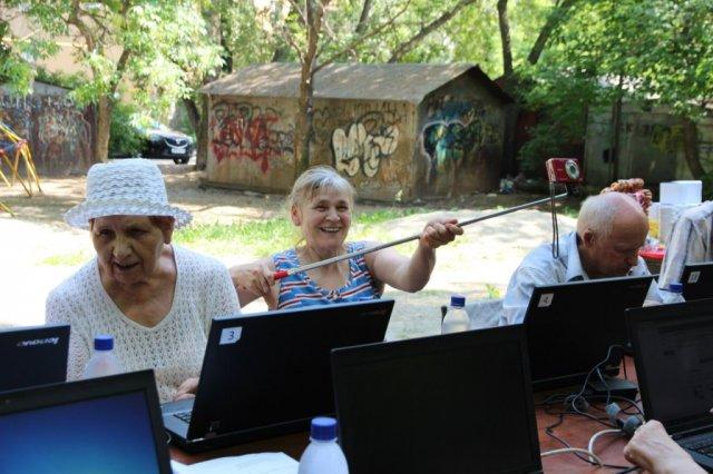 """Участники программы """"Статус: онлайн"""" в Калининграде"""