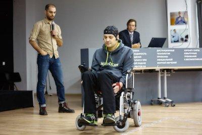 Инвалидную коляску суправлением мыслью изобрели в РФ