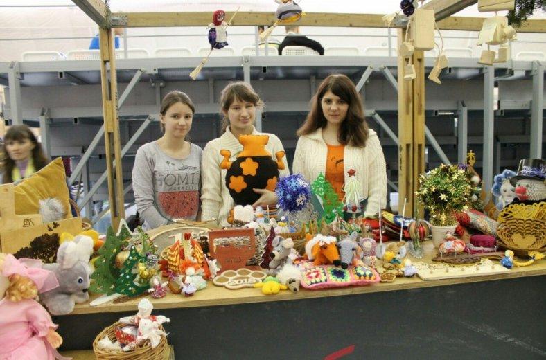 Благотворительная ярмарка «Волшебные рукавички» собрала более 120 тыс. рублей