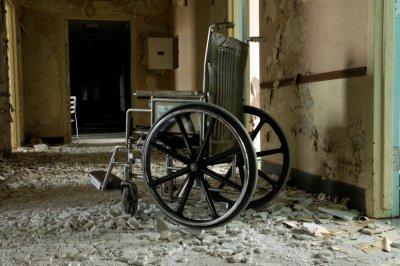 Выплаты поуходу задетьми-инвалидами могут поднять в РФ