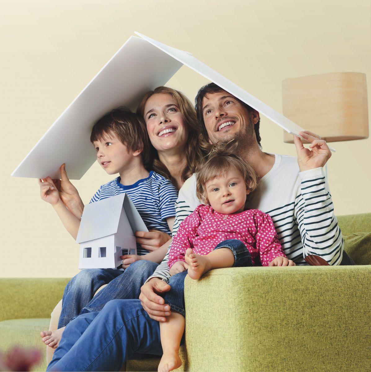 Молодая семья дом картинки
